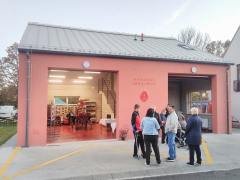 The ceremonial opening of the fire station in Úsilné